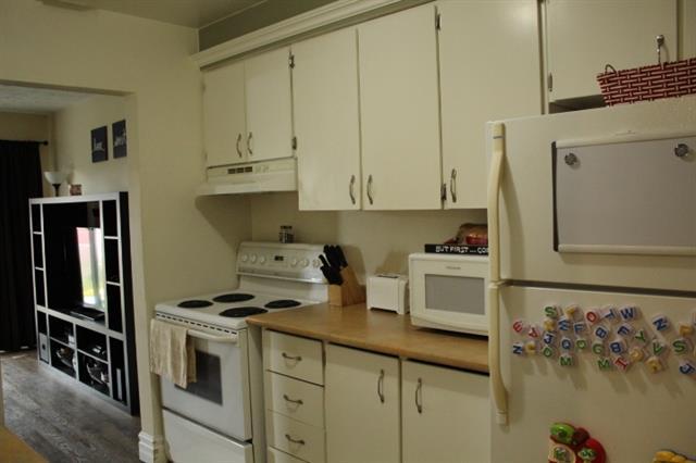 10 Frobel Drive Elliot Lake Retirement Property For Sale Kitchen