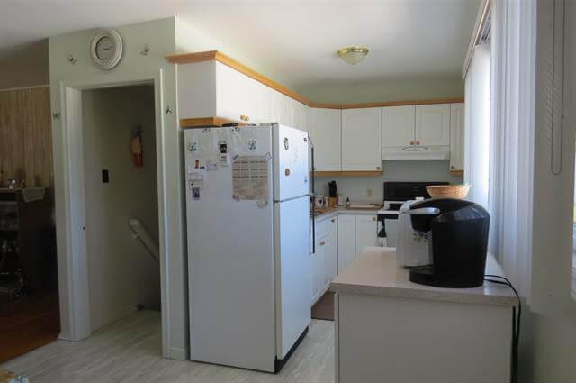 For Sale 20 Ferguson Road Elliot Lake Retirement Property Kitchen