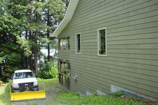 28 Evergreen Lane Elliot Lake Retirement Property For Sale Driveway