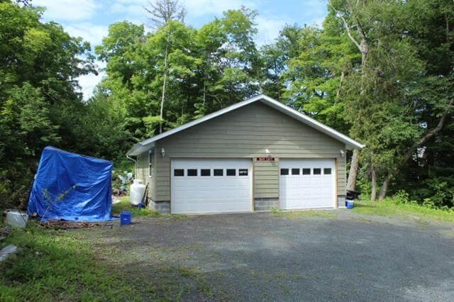 28 Evergreen Lane Elliot Lake Retirement Property For Sale Garage